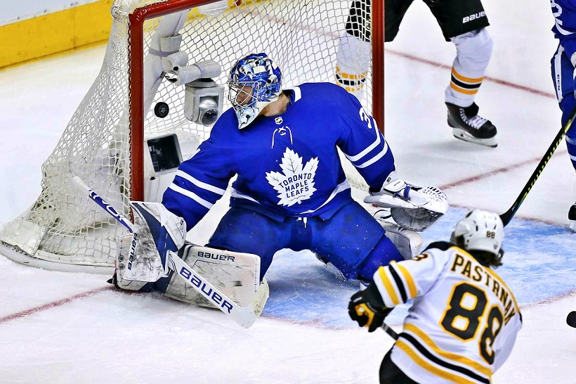 Bruins' Zdeno Chara Hilariously Knocks Over Maple Leafs Forward In Game 5